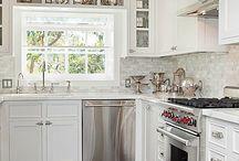 Kitchens / by Kelli Lanier