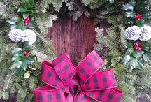 Christmas Wreaths / Fresh Ideas for you door or over the mantle
