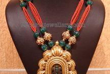 Emeralds jewellery