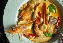 To Make - Soups & Stews / by Jean Pyun Huston