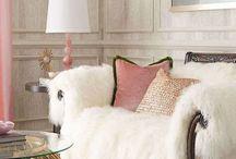 bútorok, díszek, lakberendezés