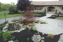 Creative landscaping of circle driveways