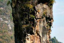 kastély csoda egy sziklán