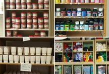 In het atelier / Op diverse locaties worden producten vervaardigd