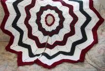 crocheting / by Samantha Jablonski