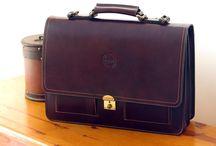 Pielnoble Rustic / En estos tiempos de telas y lonas, todavía quedan maletines de piel de alta calidad que pueden acompañarte durante años.