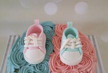 Gender reveal taart / #babyshowertaart, #genderrevealtaart, #babytaart, #geboortetaart, #taartspijkenisse, #taartbestellen