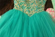 Dresses / by Chloe Becraft