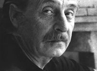 Franco Miozzo / Nasce in Veneto, nel 1917 si trasferisce con la sua famiglia in Versilia. A Pietrasanta frequenta la Scuola d'Arte Stagio Stagi, mentre lavora il marmo insieme a Bozzano. In quegli anni conosce anche Lorenzo Viani, Marino Marini e Carlo Carrà