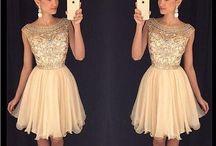 Κοντά φορέματα για το χορό αποφοίτησης