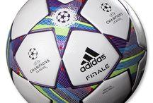 wow miren estas pelotas de futbol
