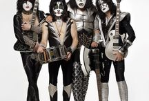Kiss rock N' roll