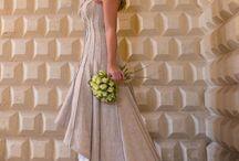 CUORE DI LINO / Naturale, ecologico ed elegante l'abito da sposa in lino grezzo con le cuciture a vista. Un modo per rivisitare un tessuto semplice in un abito da sposa molto ricercato.