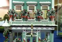 Miniature Houses I could never buy...but I can look. / Looking for the fancy dollhouses I could only wish for.