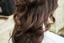 Hiukset...