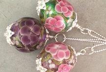 Pärlmakeriet halsband / Halsband med handgjorda glaspärlor från Stockholms Pärlmakeri