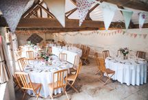 ELEANOR AND ELLIOT'S LAID-BACK SPRING WEDDING AT CURRADINE BARNS