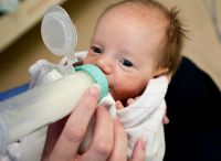 Feeding and Nutrition for Your NICU Grad / NICU babies and preemies can face all sorts of eating challenges. Find information on pumping breast milk, breast feeding, supplementing, choosing formula, feeding therapy, common concerns, and smart interventions!