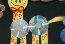 Giraffe craft idea / This page has a lot of free Giraffe craft idea for kids,parents and preschool teachers.