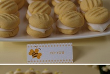 mom loves bees / bee stuff for mom / by Hollie O'Brien