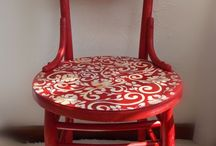 egyedi székek