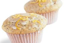 Lemon Poppy Seed Muffins / Muffins are the perfect Sunday baking activity to set yourself up for breakfasts throughout the week. Visit http://bestlifeblueprint.bizblueprint.com/healthy-recipies/lemon-poppy-seed-muffins