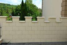 Individuelle Mauern mit flexiblen Steinen / Gartenmauern gestalten ganz individuell und nach den ganz eigenen Vorstellungen. Mit den Mauersteinen von WESERWABEN lässt sich das einfach realisieren. Hier einige tolle Beispiele, was sich mit diesen Steinen so realisieren lässt!