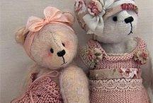 Teddy Bears antique and vintage / Beren en knuffels, veel van het merk Steiff.