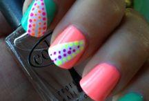 Hair! Makeup! Nails! Toes! / by Ryann McTigue