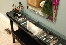 Make up station design / Make up station designs, vanity tables, and how to organize