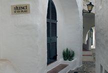 Arquitectura / Menorca, casas blancas, paisaje urbano, edificios, arquitectura,