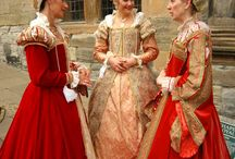 Elizabethan gowns / Elizabethan costumes