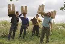 L'équipe B.U.D / B.U.D propose des meubles en chêne massif issu de la forêt de Lyons. www.atelierbud.com