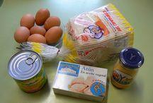 Huevos pan de molde atún millo y mayonesa.