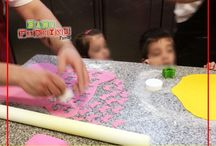 Επίσκεψη Grande Μυλωνάς / Επίσκεψη του Baby Parking στο Εργαστήριo Ζαχαροπλαστικής Grande Μυλωνάς (Πατρών Κλάους 54) Grande Milonas Με την επίσκεψη αυτή τα παιδιά μας είχαν την δυνατότητα να δουν από κοντά την παρασκευή και την επεξεργασία γλυκών και αλμυρών εδεσμάτων παραγόμενα αποκλειστικά με χειροποίητα υλικά. Τα παιδιά μας αποκόμισαν μια ιδιαίτερα γλυκιά εμπειρία από την επίσκεψη καθώς γεύτηκαν τις λιχουδιές που τους προσέφεραν και ευχαριστούμε θερμά το Ζαχαροπλαστείο Grande  Μυλωνάς για την εγκάρδια φιλοξενία του!