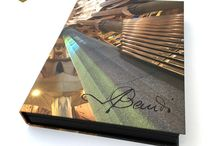 Barcelona Memories: Look and Read / Artistic, visual and creative proposals for Barcelona, Gaudí and Modernism, all in book format. While not forgetting other great artists we have in our country: Picasso, Dalí, Miró, ...