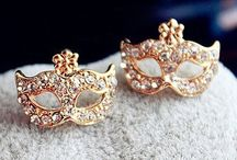Jewelries / Are you still looking for women's jewelries? Meetyoursfashion.com maybe a good choice, here you can find hundreds of accessories for women: charming necklace, rhinestone rings, vintage bracelets, cute watches and so on. Here you can find what you want.