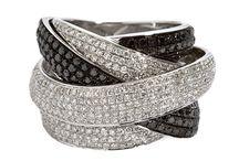 Joyas / Casa Banchero fundada en 1905, ha representado desde siempre lo más exclusivo y elegante en relojes y joyas en el Perú