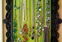Jewellry caches