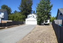 2914 NW 2nd Circle Battle Ground, WA 98604 / Auction bargain!! Online auction dates 8/29/15-9/3/15. Culdesac home on spacious greenbelt lot in quiet but close-in neighborhood. Traditional floor plan features living, kitchen, dining, den, and family room with fireplace on the main floor. Four bedrooms including spacious vaulted master suite with walk-in closet. Huge private backyard with dog run. Forced air heating with A/C. OPEN HOUSE Sunday 8/30/15 from 11am-1pm!