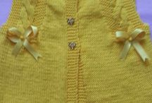 Pienille tytöille neuleita