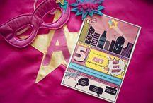 Anniversaire Supergirl / Supergirl Party / Idées pour organiser un anniversaire de Super héroïne: déco, gâteau, gourmandises, invitation, jeux...