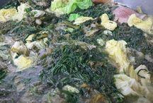 Minestra maritata. La ricetta. / MINESTRA MARITATA O PIGNATO GRASSO. È stata per secoli la pietanza di gala della cucina del nostro territorio. Preparata con cicoriette gentili, verze, cavoli, cappucci e di altri ortaggi tipici della campagna sommese.  A questo link trovate la ricetta. http://www.lalanternaristorante.it/site/post_dettaglio/112 Per informazioni e prenotazioni telefono 081 8991843/ 333