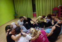 Η συμβουλευτική Ψυχολογία στην πράξη / Το πρόγραμμα Dance And Release Your Soul είναι το πρώτο κ μοναδικό στο είδος του κατοχυρωμένο πρόγραμμα ψυχολογίας, που συνδυάζει τις τέχνες, μουσική, χορό, θέατρο, ζωγραφική κ την Ψυχολογία, με σκοπό την βελτίωση ποιότητας ζωής των συμμετεχόντων κ την διαχείριση κ θεραπεία των ψυχικών συμπτωμάτων που δυσκολεύουν την καθημερινότητα των συμμετεχόντων.  Με μία ψυχολόγο, μία δασκάλα χορού κ μία θεατρολόγο....με θετική πάντα διάθεση κ άριστες επιστημονικές γνώσεις