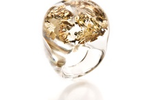 Metallique / O dourado e o prateado que chapiscam no céu translúcido o brilho de uma estrela... Exaltam o que tem de mais precioso e pulsante em você!