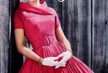 Vestido lindo , cor maravilha !!! com decote diferente !