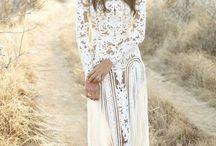 В пустыне в белом