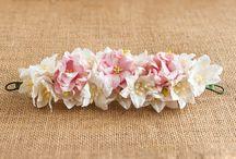 Tocados de flores / Tocados de flores para el pelo hechos a mano. Perfectos para recogidos, moños o bien para colocar en el lateral a modo de peina.