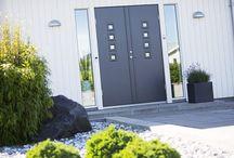 Grå ytterdør / Grå ytterdør i mange varianter av grå. Klassiske og moderne grå dører.