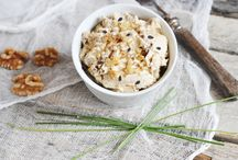 Μυζήθρα με μέλι και ταχίνι / Μια υπέροχη και θρεπτική συνταγή ιδανική για πρωινό γεύμα ή για επιδόρπιο!